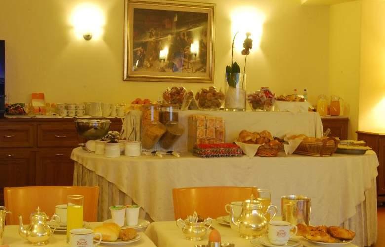 Napoleon - Restaurant - 14