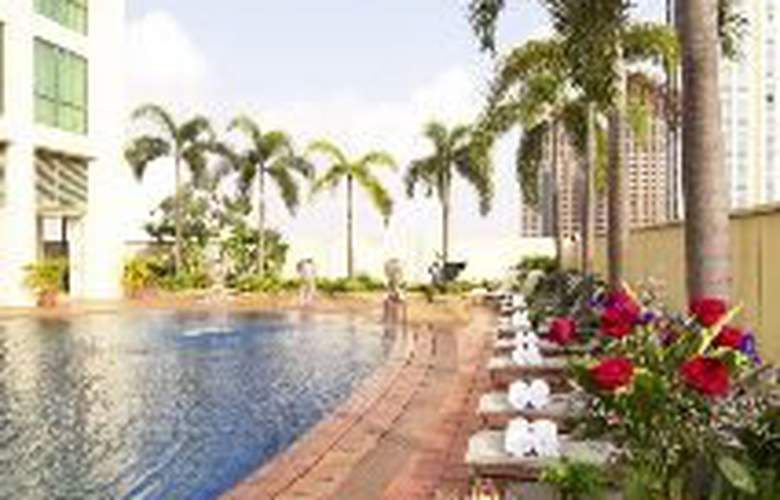 Grand Copthorne Waterfront - Pool - 5