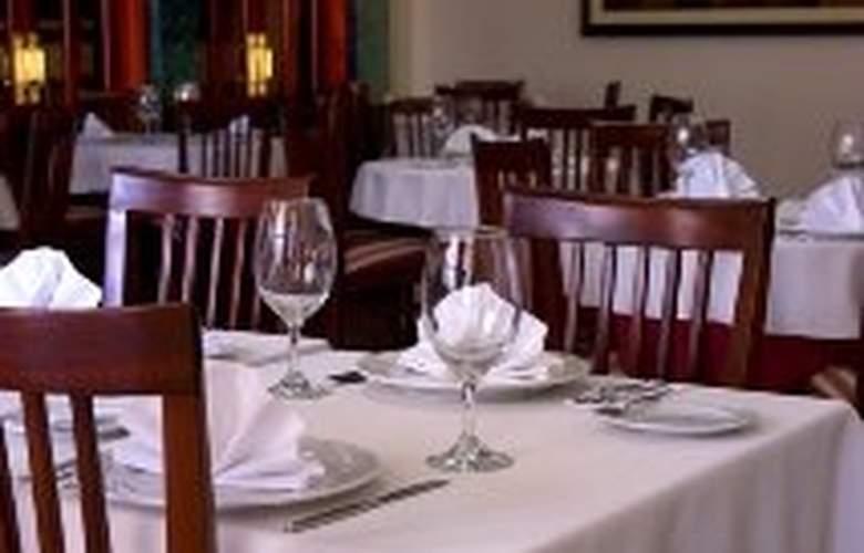 Garden - Restaurant - 8