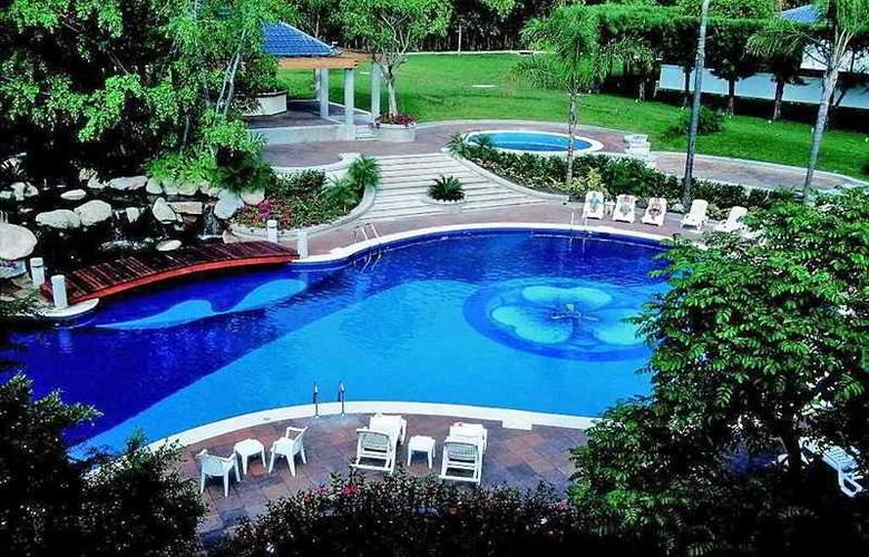 Camino Real Sumiya - Pool - 4