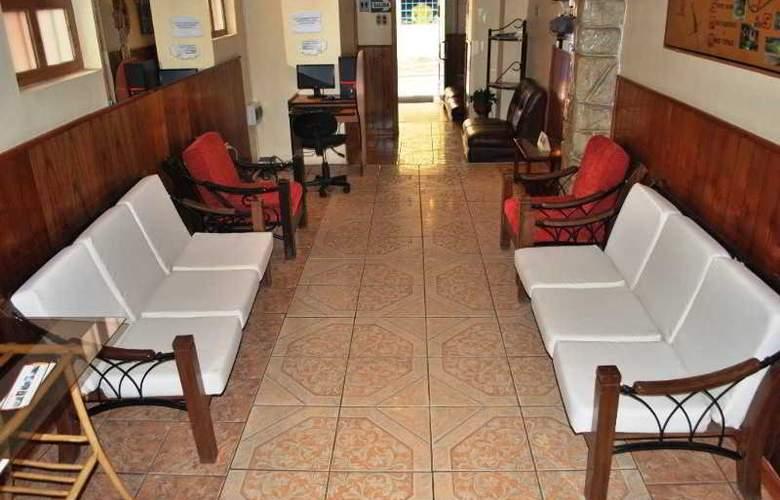 Qori Koyllur Hostal - Hotel - 4