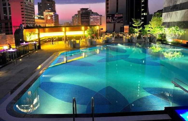 Crowne Plaza Guangzhou City Center - Pool - 9