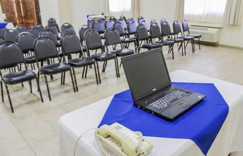 Comfort Inn Tampico - Conference - 38