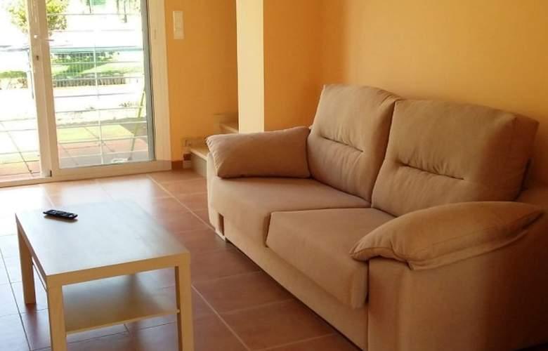 Villas de Oropesa 3000 - Room - 1