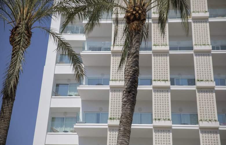 HM Ayron Park - Hotel - 11