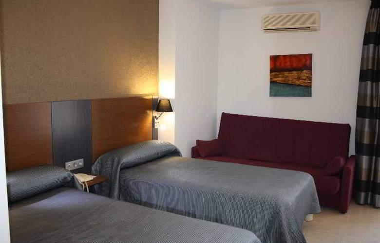 Regio - Room - 13