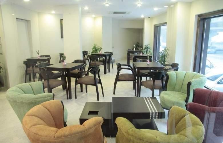Classic Diplomat - Restaurant - 7