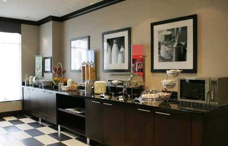 Hampton Inn Toronto Airport Corporate Centre - Hotel - 13