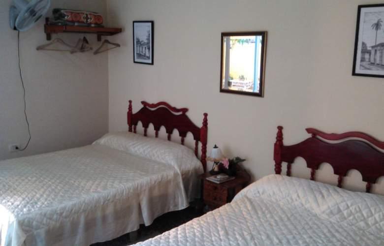 Hostal La Cucaña - Room - 6