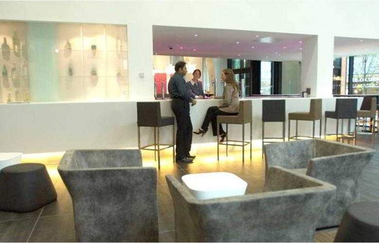 Crowne Plaza Manchester City Centre - Bar - 3