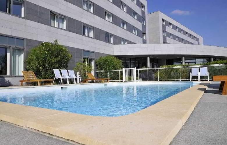 Quality Suites Bordeaux Aéroport & Spa - Hotel - 3