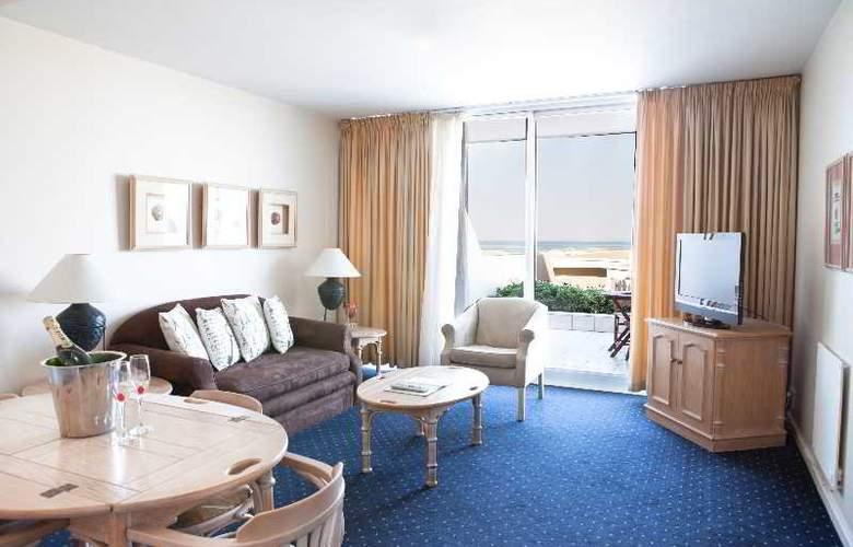 Dolphin Beach Hotel - Hotel - 15