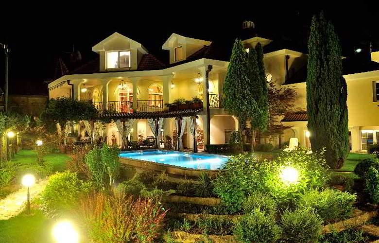 Villa Saga Paradiso - Hotel - 10