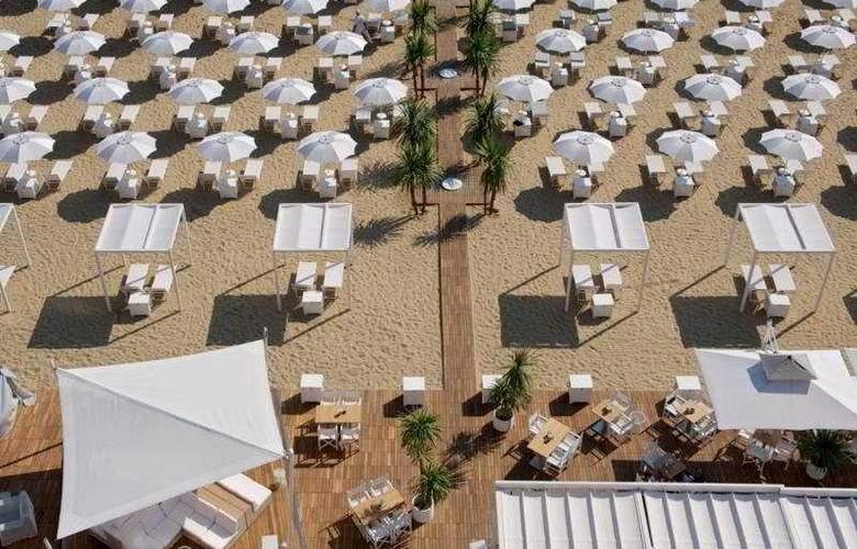 Excelsior Pesaro - Beach - 7