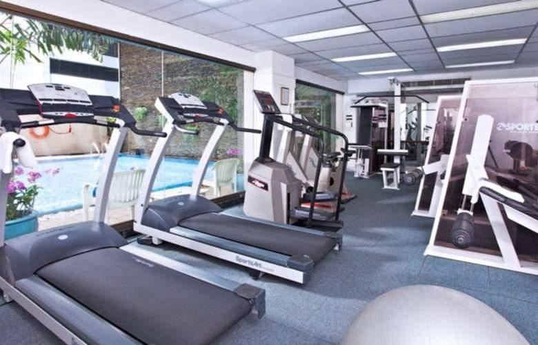 Kingston Suites - Sport - 17