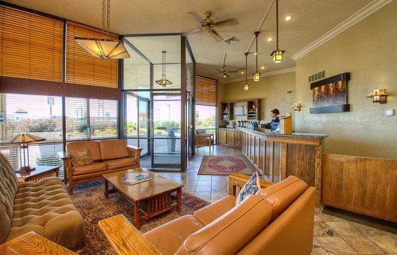 Best Western Foothills Inn - Hotel - 4