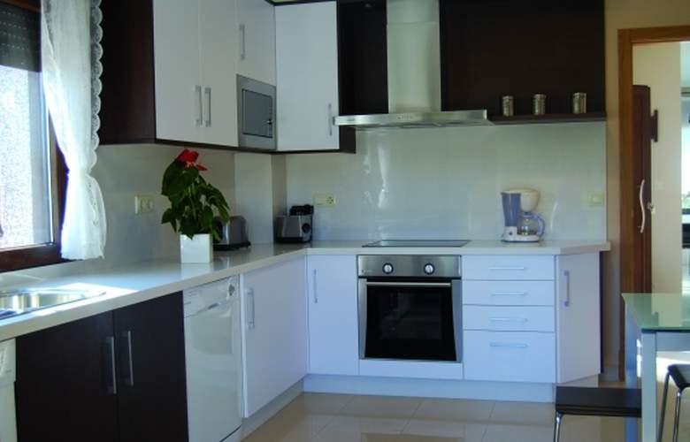 Sanxenxo Residences - Room - 3