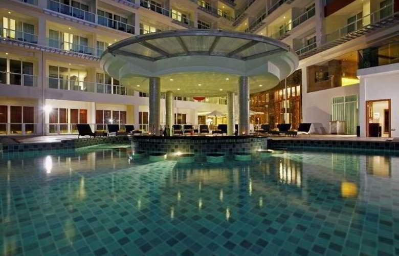 Centara Nova Hotel and Spa Pattaya - Pool - 21