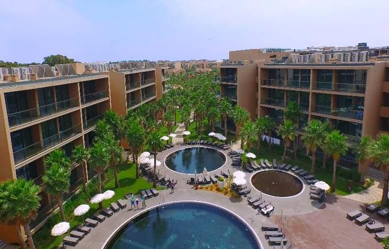 Nau Salgados Palm Village Apartments & Suites - Pool - 12