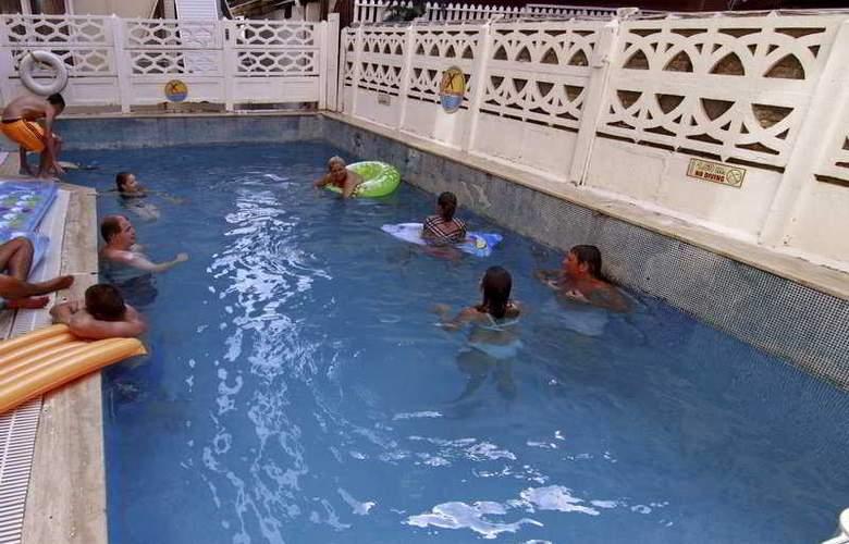 Kleopatra Develi Hotel - Pool - 11