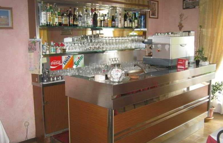 Belvedere - Bar - 4
