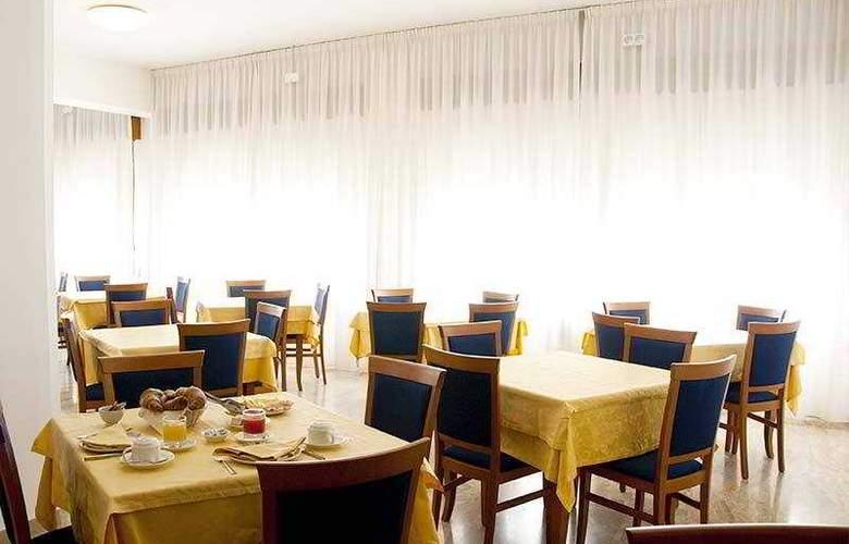 Touring - Restaurant - 7