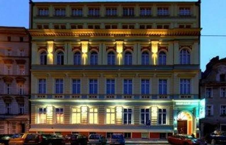 Centrum Dikul - Hotel - 0