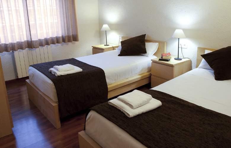 Madanis Apartments - Room - 10