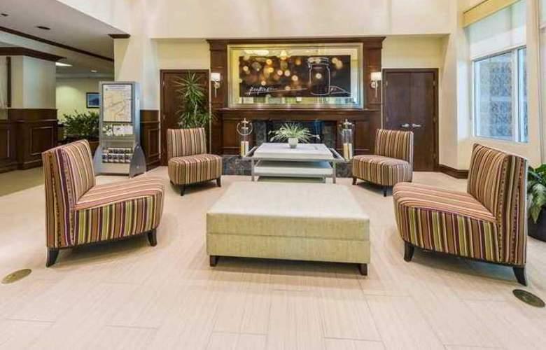 Hilton Garden Inn Arlington Courthouse Plaza - Hotel - 5