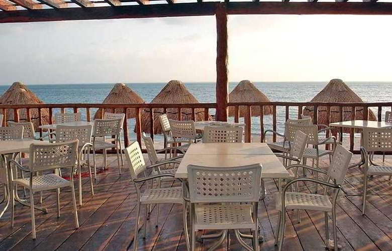 Holiday Inn Cancun Arenas - Terrace - 6