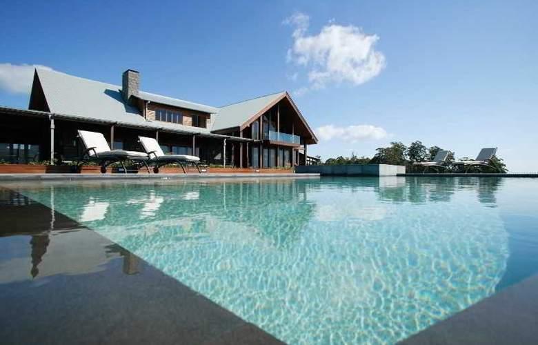 Spicers Peak Lodge - Pool - 8