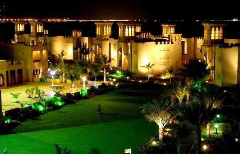 Hilton Al Hamra Beach & Golf Resort - Hotel - 5