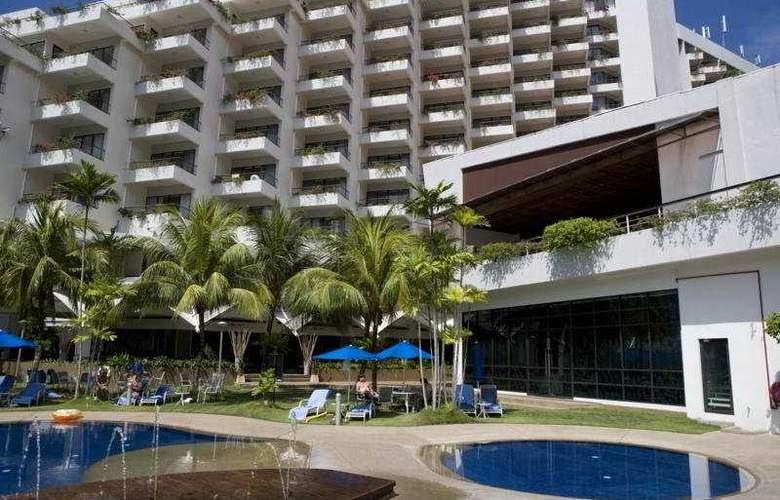 Hydro Hotel Penang - Pool - 4