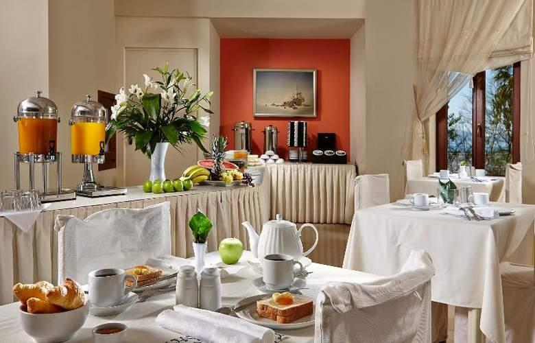 Galaxy (JNX) - Restaurant - 33