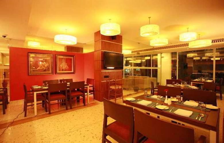 The HQ - Restaurant - 19
