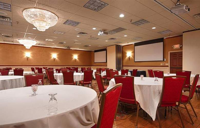 Best Western Plus White Bear Country Inn - Conference - 107