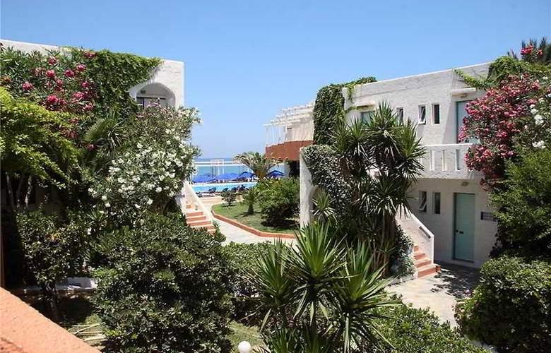 Adele Beach - Hotel - 0