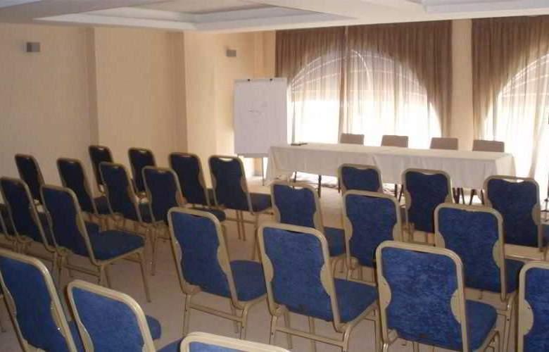 Saint George - Conference - 6