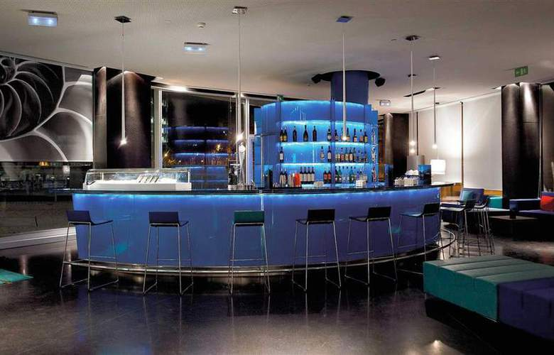 Novotel Barcelona City - Bar - 39