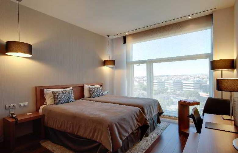 Rafaelhoteles Madrid Norte - Room - 18