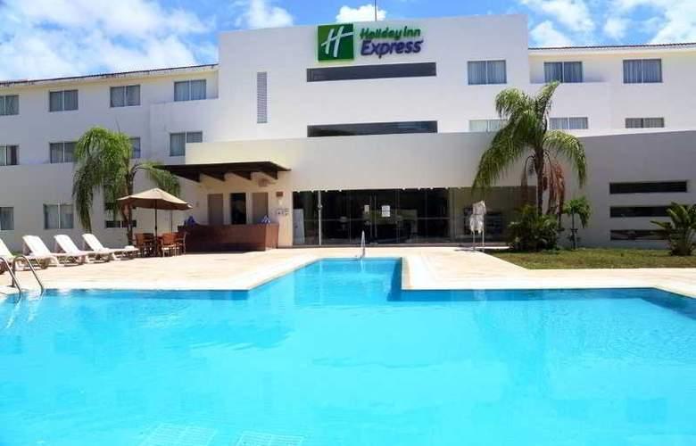 Holiday Inn Express Playacar - Pool - 27