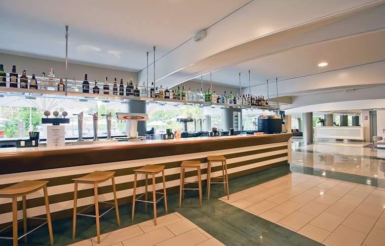 Fergus Bermudas - Bar - 4