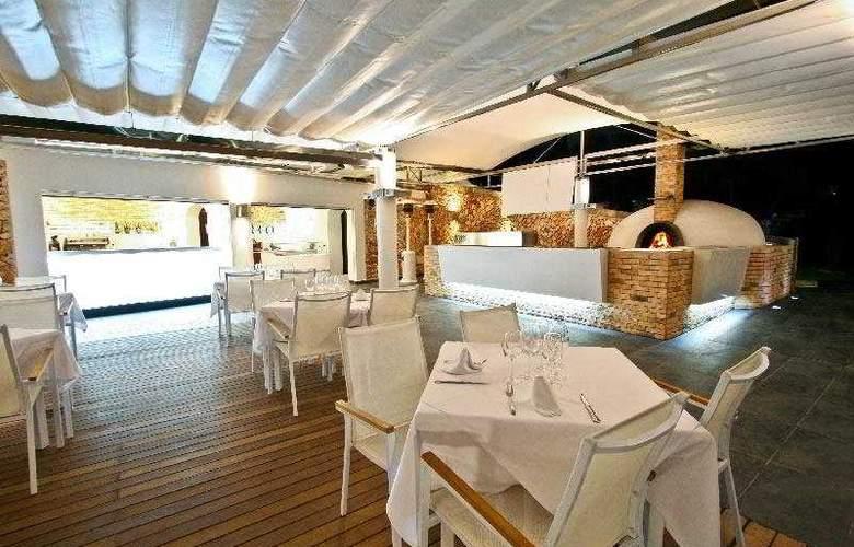 Ferrera Beach - Restaurant - 9