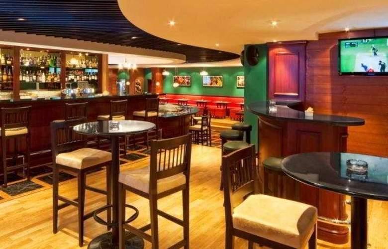 Park Regis Kris Kin Dubai - Bar - 4