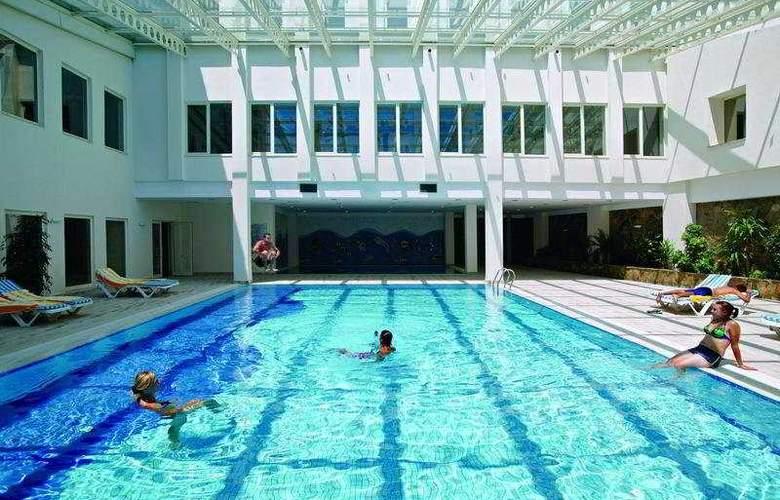 Sural Resort - Pool - 6