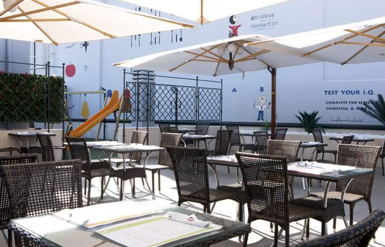 iQ Hotel Roma - Terrace - 21