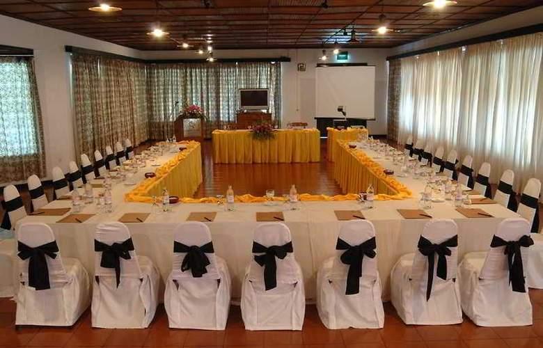 Amaya Lake Dambulla - Conference - 3