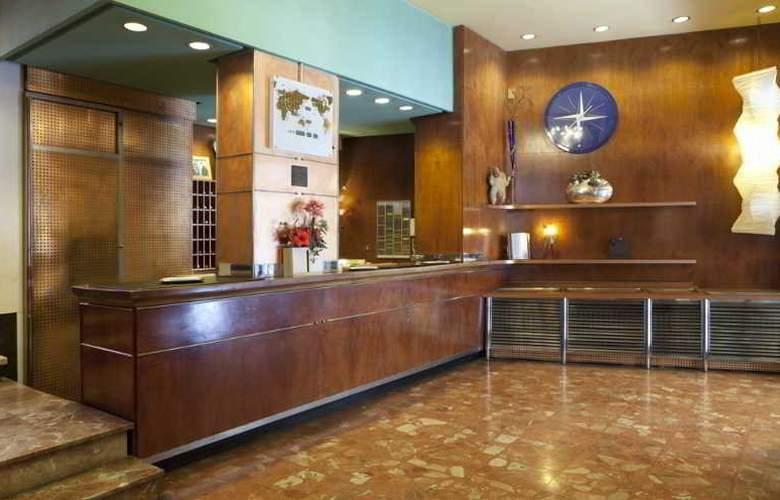 Quindos - Hotel - 8