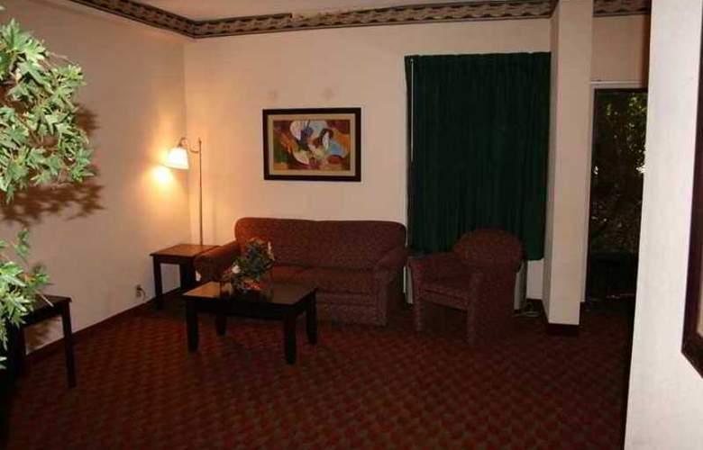 Hampton Inn Raleigh- Garner - Hotel - 3