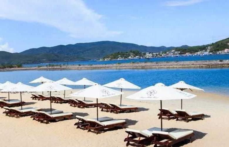 Paragon Villa Hotel - Beach - 4